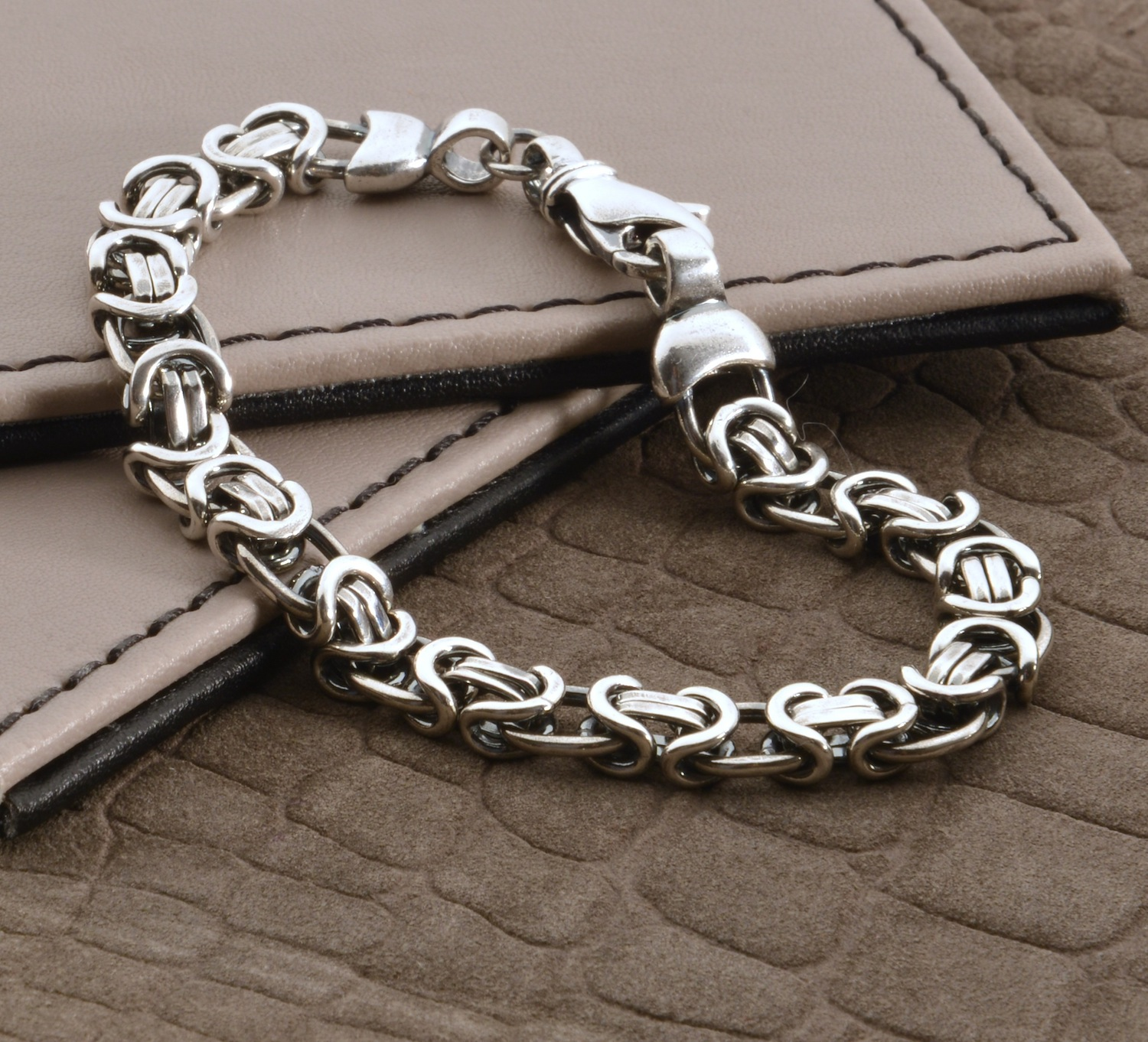 HBMB08Men's Heavy Silver Chain Detail Bracelet