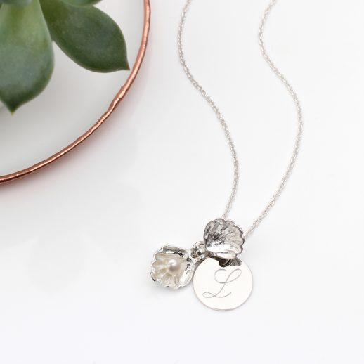SilverShellNecklace