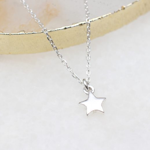 TinySilverStarNecklace (1)