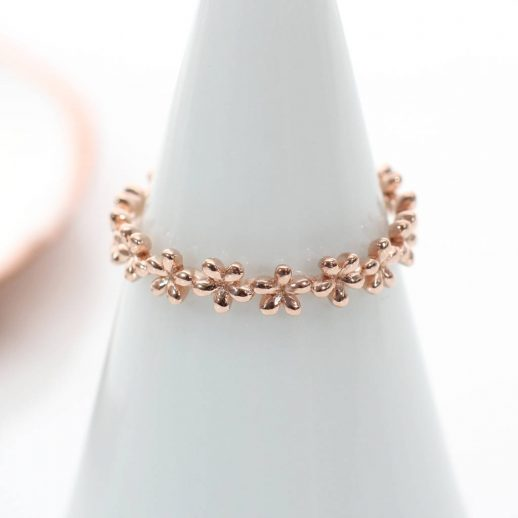 original_18ct-rose-gold-band-of-flowers-ring (1)