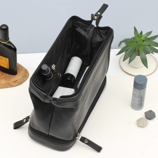 original_personalised-luxury-leather-two-part-washbag-1