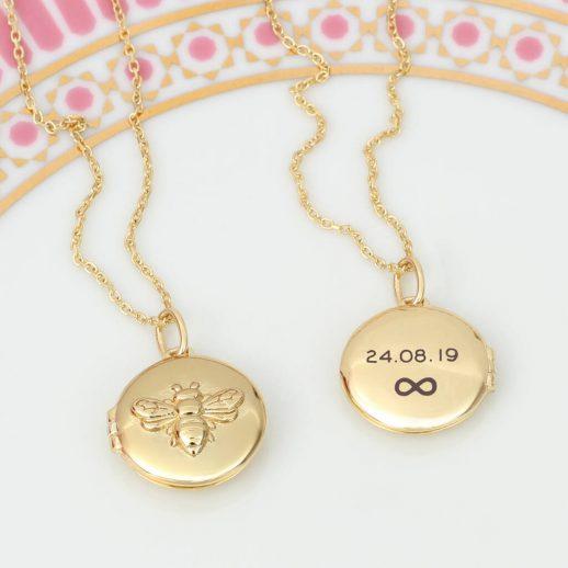 original_personalised-18ct-gold-opening-bee-locket